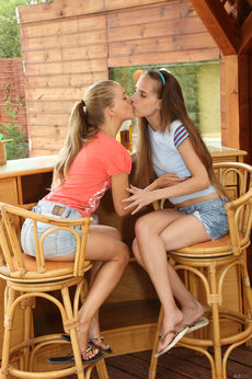 Cayenne And Tina Blade In Liquored Lesbos - Picture 2