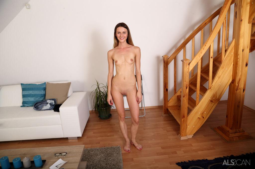 Cayla Lyons Nackt